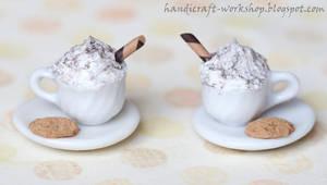 Miniature cappuccinos