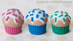 Cupcake charms by Panna-Kot