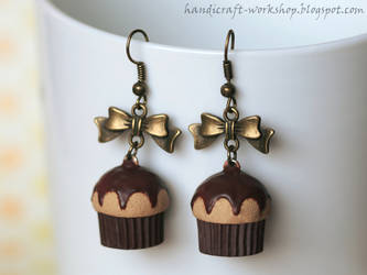 Vanilla and Chocolate cupcake earrings