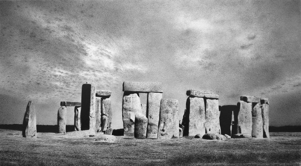 Stonehenge by Lmomjian