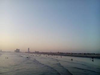 karachi beach by zahidnabi