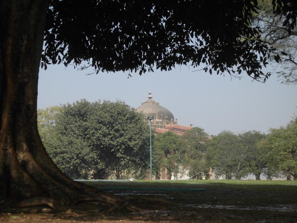 purana qila delhi by zahidnabi