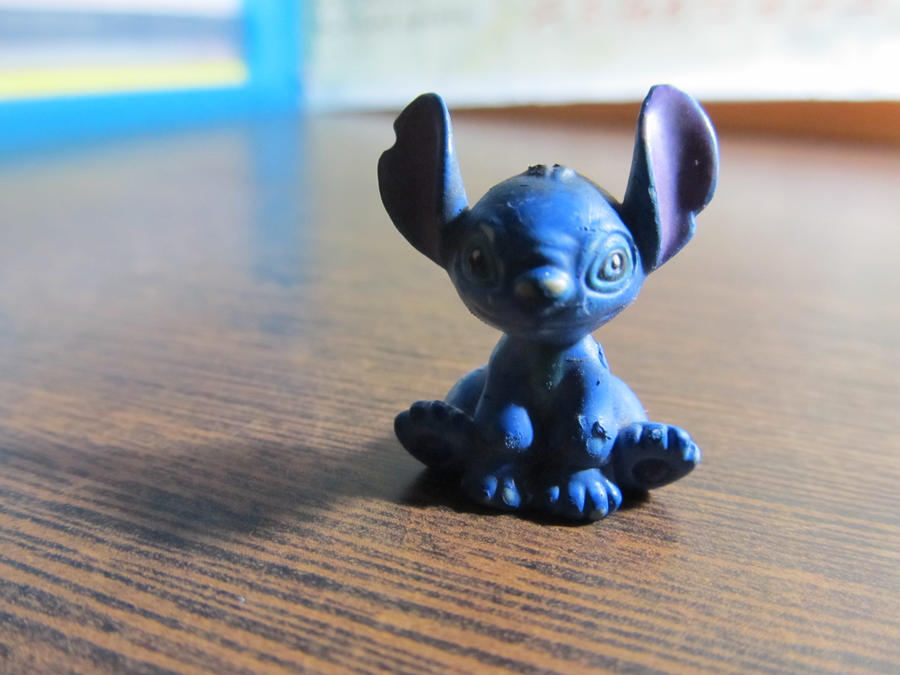 Stitch by Mysteriouspizza