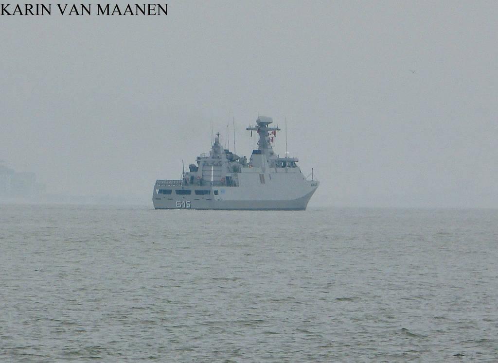 Royal Moroccan Navy Sigma class frigates / Frégates marocaines multimissions Sigma - Page 25 Moroccan_frigate_multi_mission_allal_ben_abdellah_by_dolfijn1962_dd2nw7o-fullview.jpg?token=eyJ0eXAiOiJKV1QiLCJhbGciOiJIUzI1NiJ9.eyJzdWIiOiJ1cm46YXBwOjdlMGQxODg5ODIyNjQzNzNhNWYwZDQxNWVhMGQyNmUwIiwiaXNzIjoidXJuOmFwcDo3ZTBkMTg4OTgyMjY0MzczYTVmMGQ0MTVlYTBkMjZlMCIsIm9iaiI6W1t7ImhlaWdodCI6Ijw9NzQ3IiwicGF0aCI6IlwvZlwvZmQwNDlhOTEtYTY5Ny00ODYzLWIyNTgtYTg4YmIzODE3MmIyXC9kZDJudzdvLTQxMDBhZDJiLTExMzMtNDgxOS05OWE2LTQxOWQwNjM2MzBjZC5qcGciLCJ3aWR0aCI6Ijw9MTAyNCJ9XV0sImF1ZCI6WyJ1cm46c2VydmljZTppbWFnZS5vcGVyYXRpb25zIl19