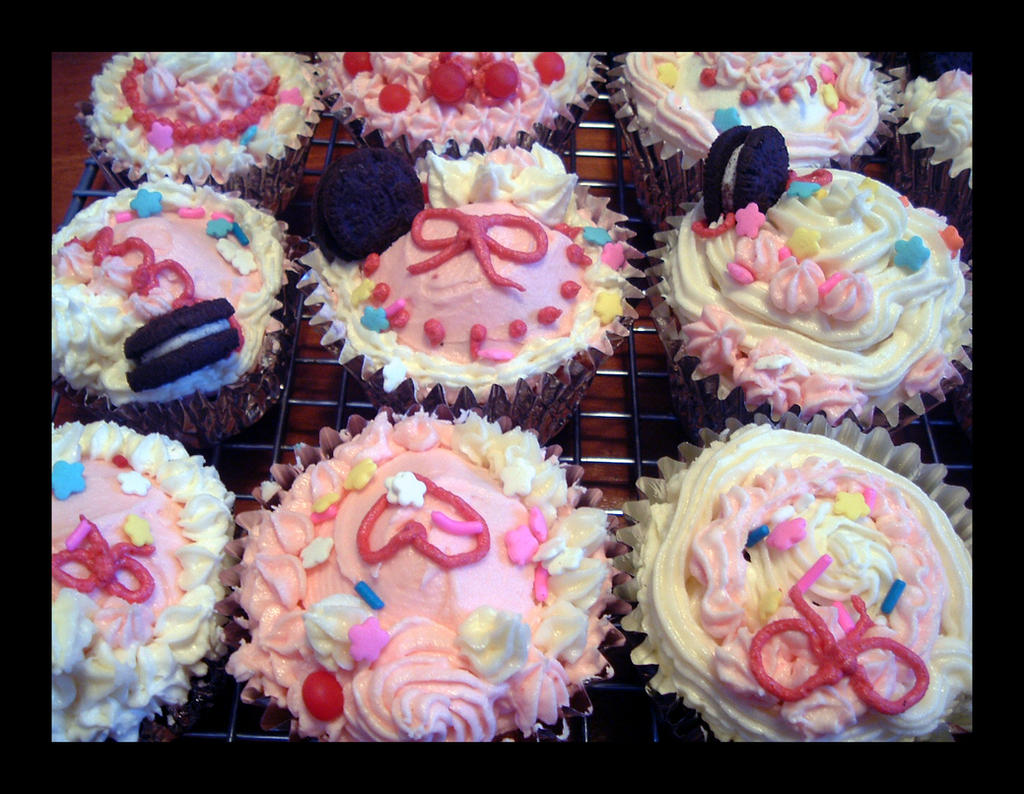 Sweet Deco Cupcakes 3 by Missi-Moonshine on DeviantArt