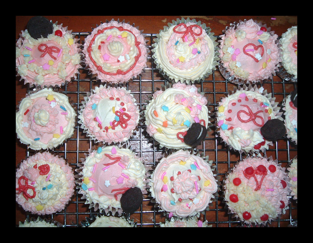 Sweet Deco Cupcakes 4 by Missi-Moonshine on DeviantArt