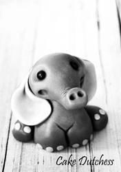 Cute Fondant Elephant - Free Tutorial by Naera