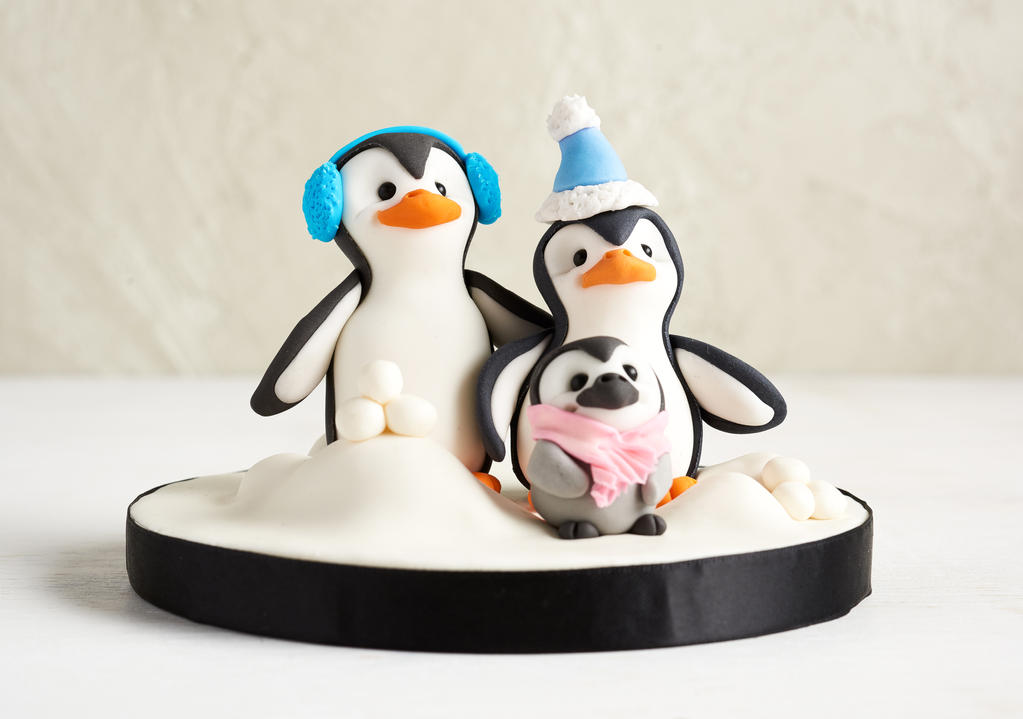 Penguin Family by Naera