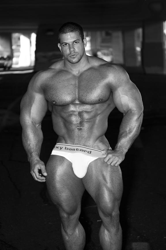 Ready Muscle by n-o-n-a-m-e on DeviantArt