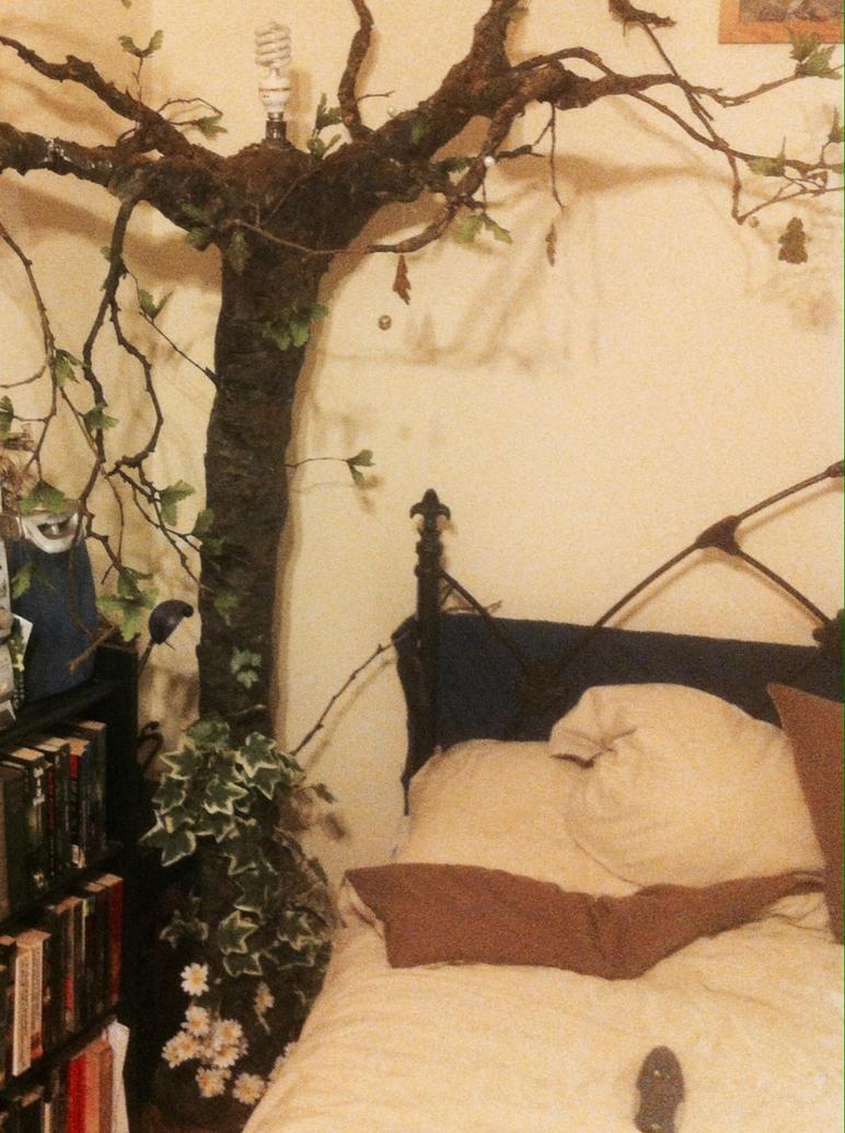 Bedside tree lamp by carlcom66