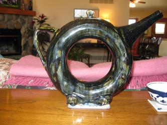 Ceramic Donut Teapot Side 1 by maQUAKKELAARtt