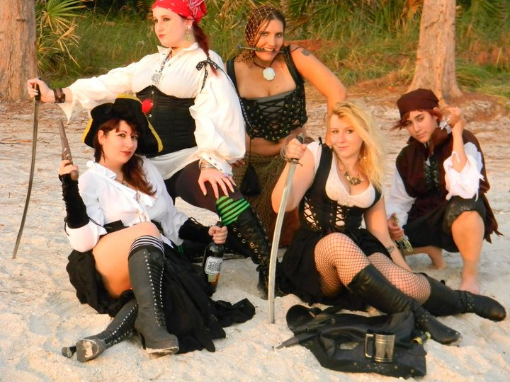 pirates__the_wenches_by_vietaskellington