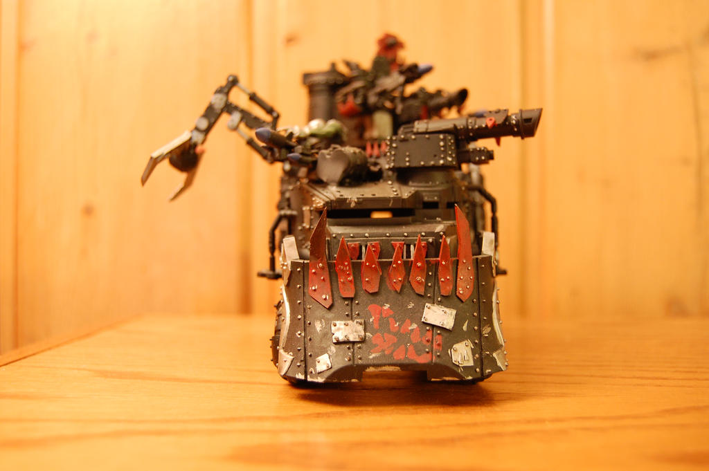 BigMek Grotchucka's Battlewagon 6 by MisterHumble