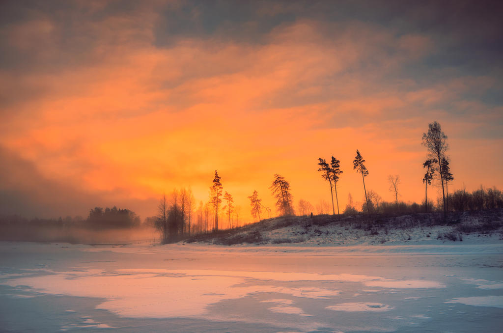 Winter sunrise by HendrikMandla on DeviantArt