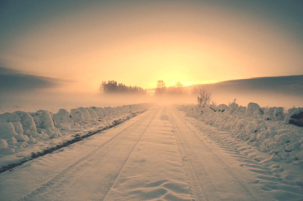 Winter road by HendrikMandla