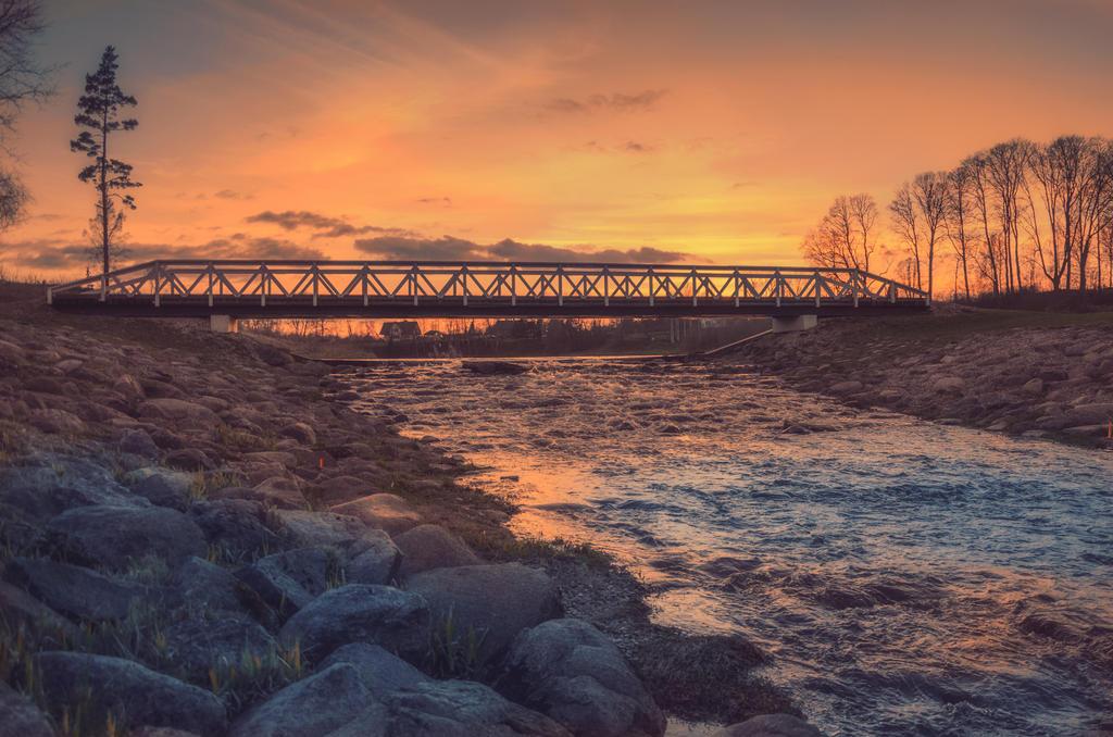 Tarvastu river at sunset by HendrikMandla