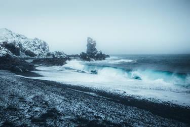 Black and blue by HendrikMandla