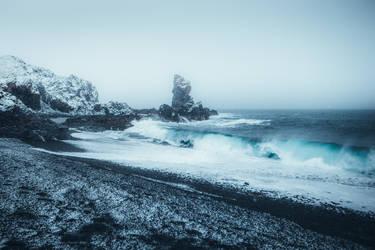 Icy wave by HendrikMandla