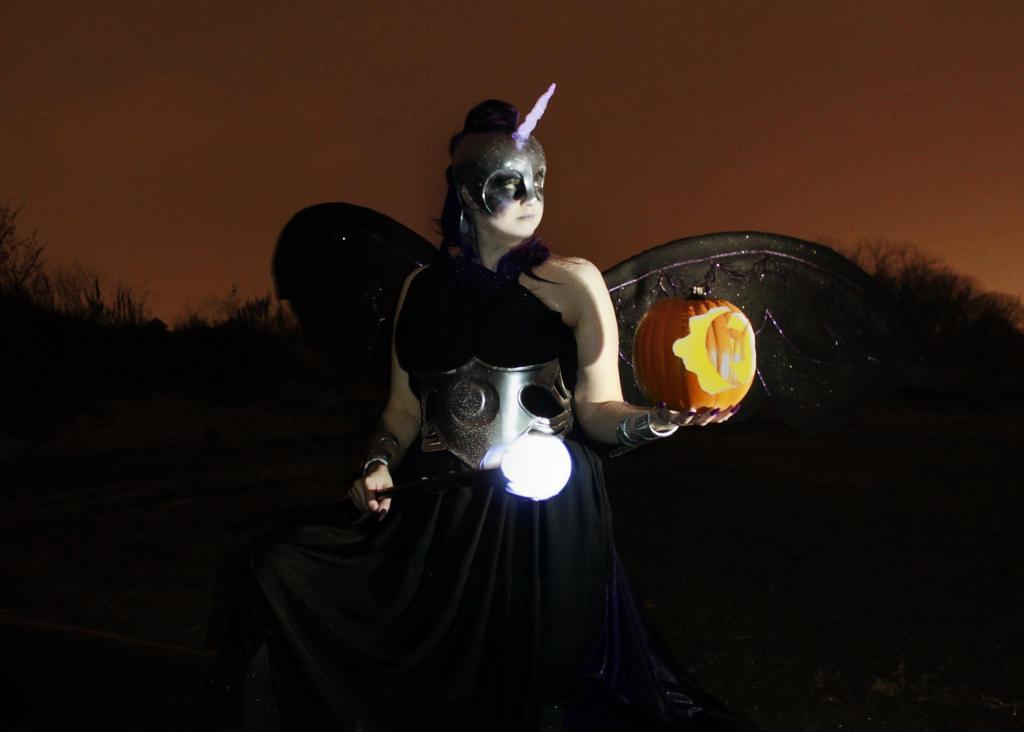 Nightmare Moon Cosplay by Elentari-Liv