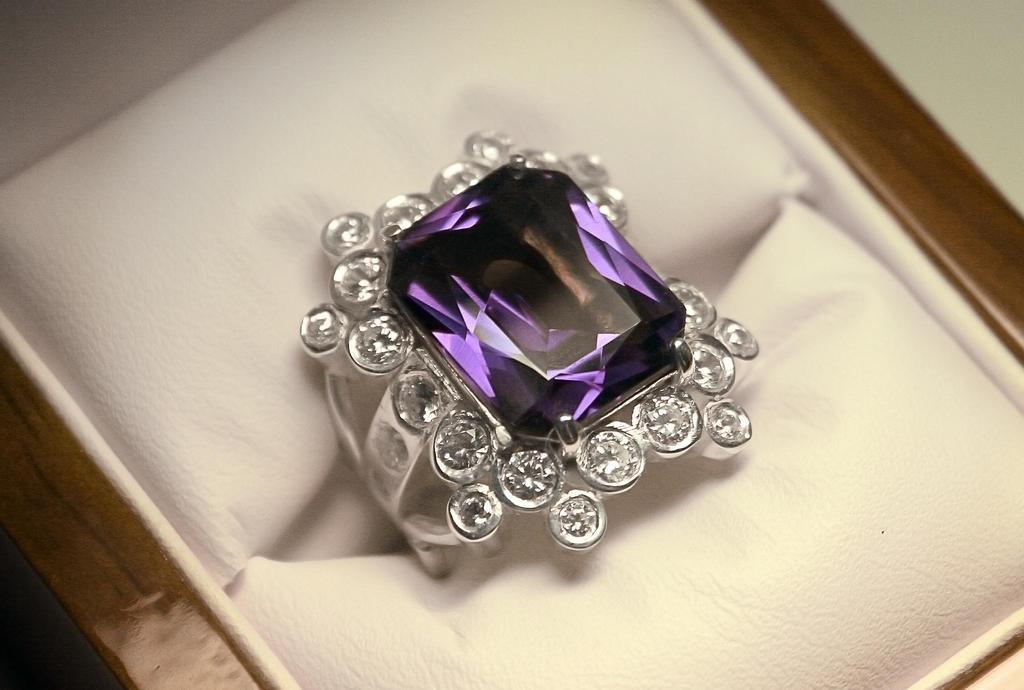 Aunt Dorthen aleksandrite ring