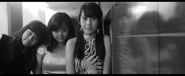 good friends by Bellabel