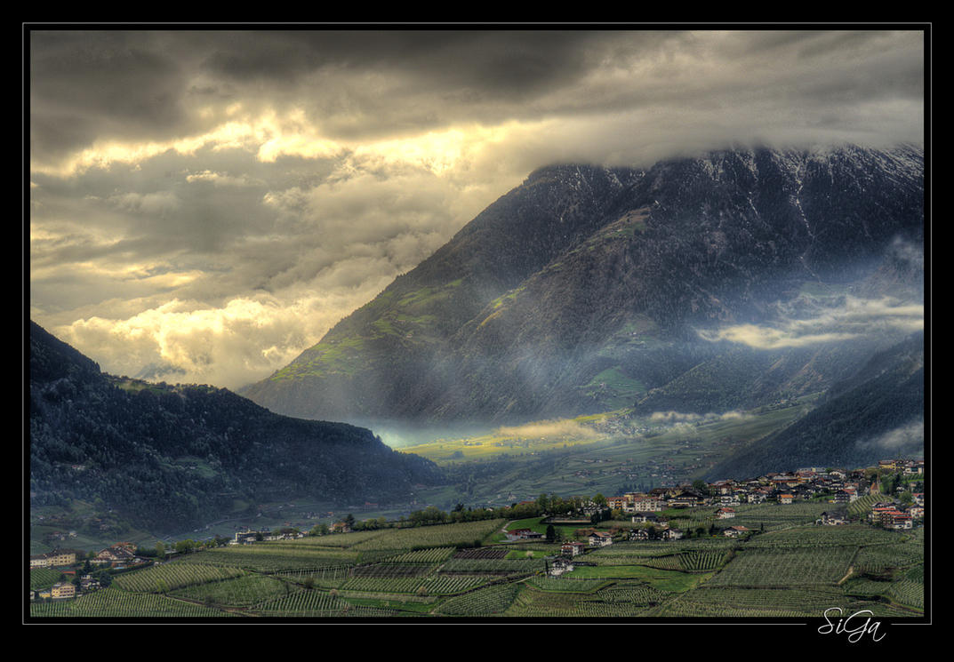 Rays of sun on Algund by sigapix