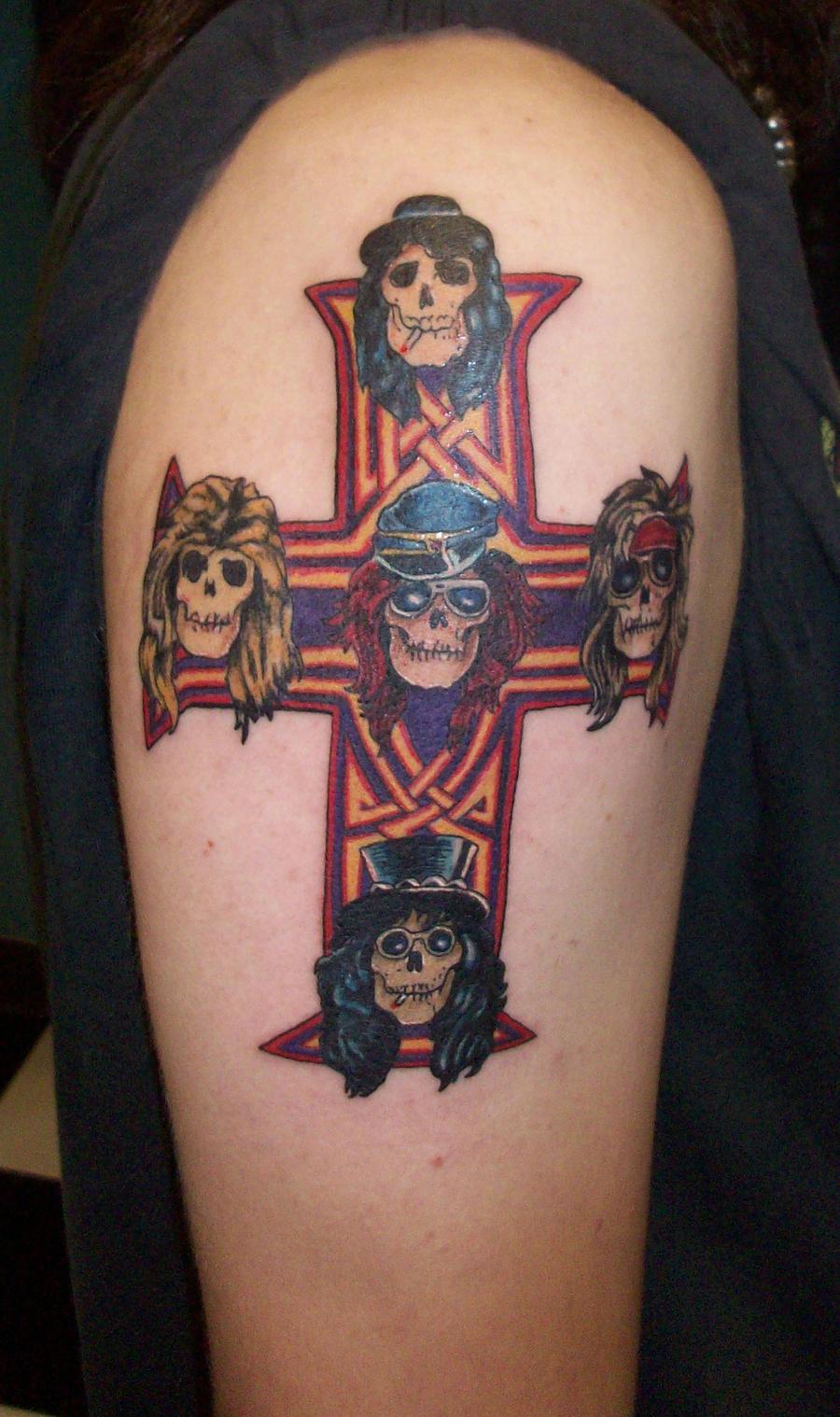 Guns and roses cross by johnnyjinx on deviantart for Guns n roses tattoos