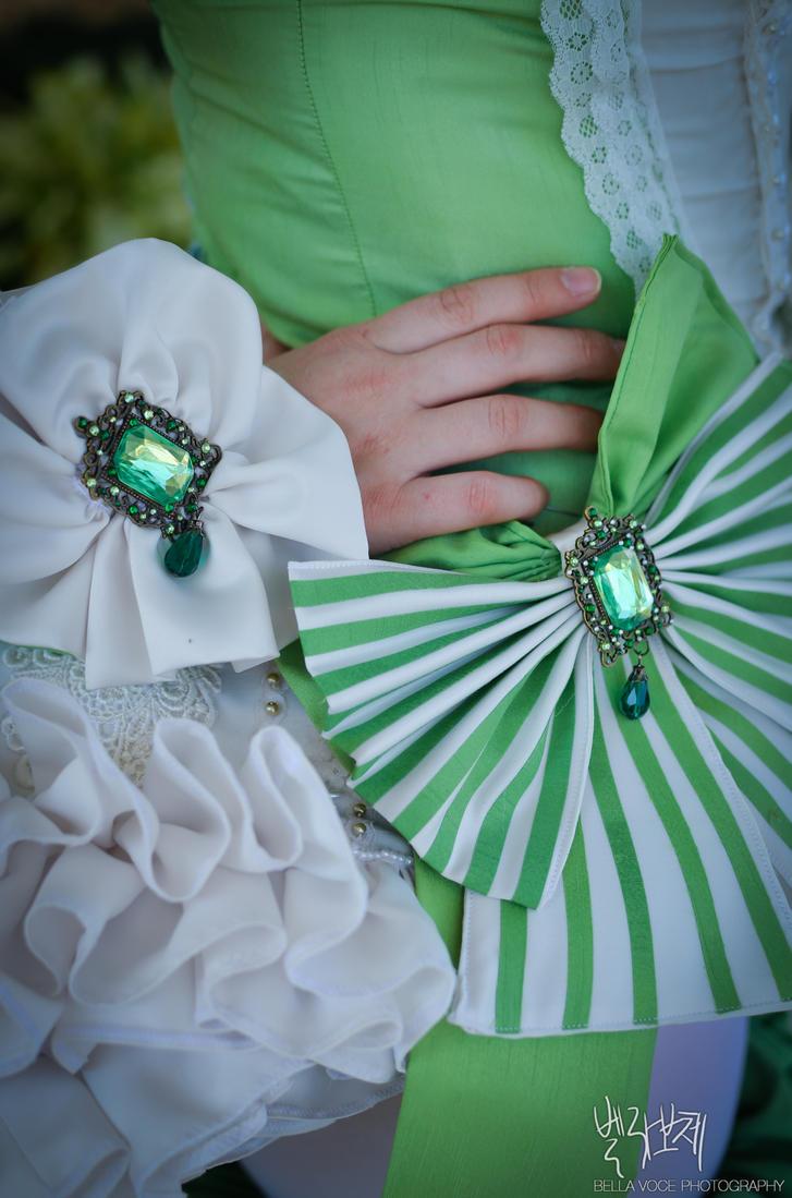 Emerald Closeup by BellaVoce4
