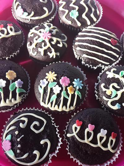 Chocolate cupcakes by MeYaIeM