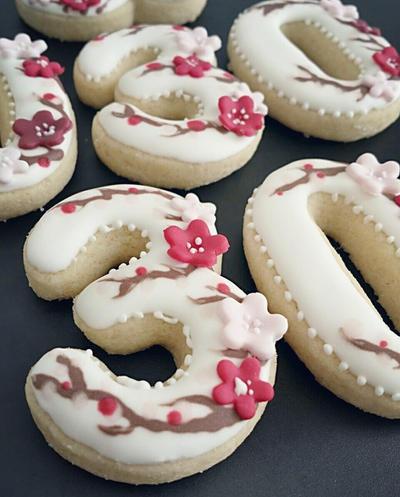 30th Birthday Cookies by MeYaIeM