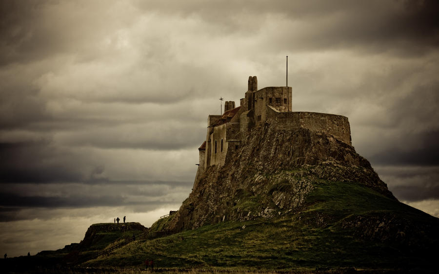 Lindisfarne Castle 1920 x 1200 by The-Aperture