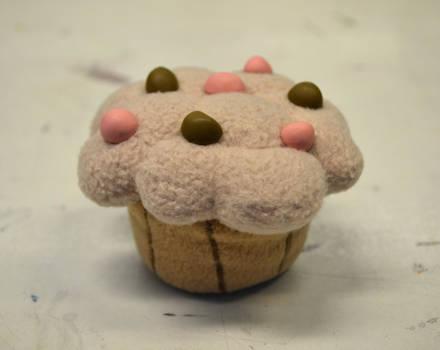 Derpy's muffin by HolsteinFreestyler