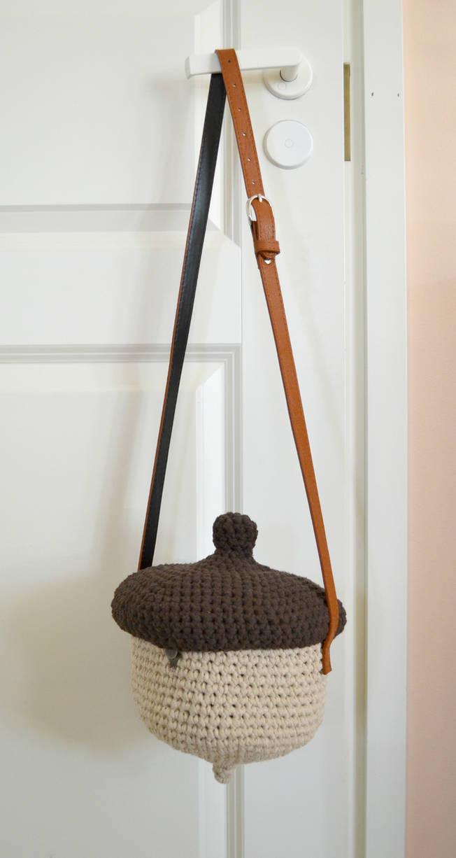 Crochet acorn bag