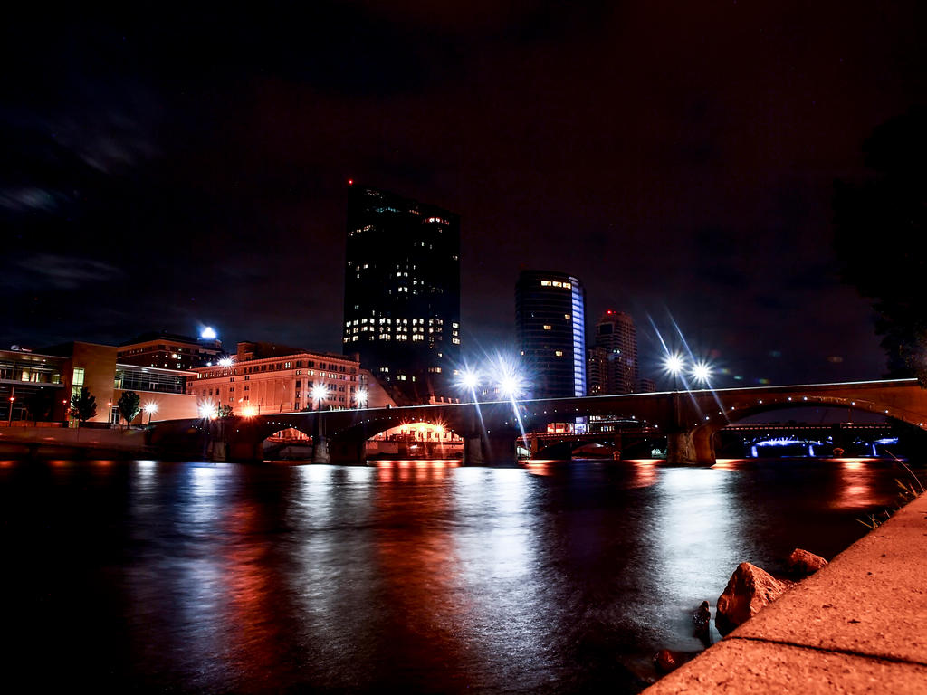 Grand Rapids Skyline 2 by blackismyheart90