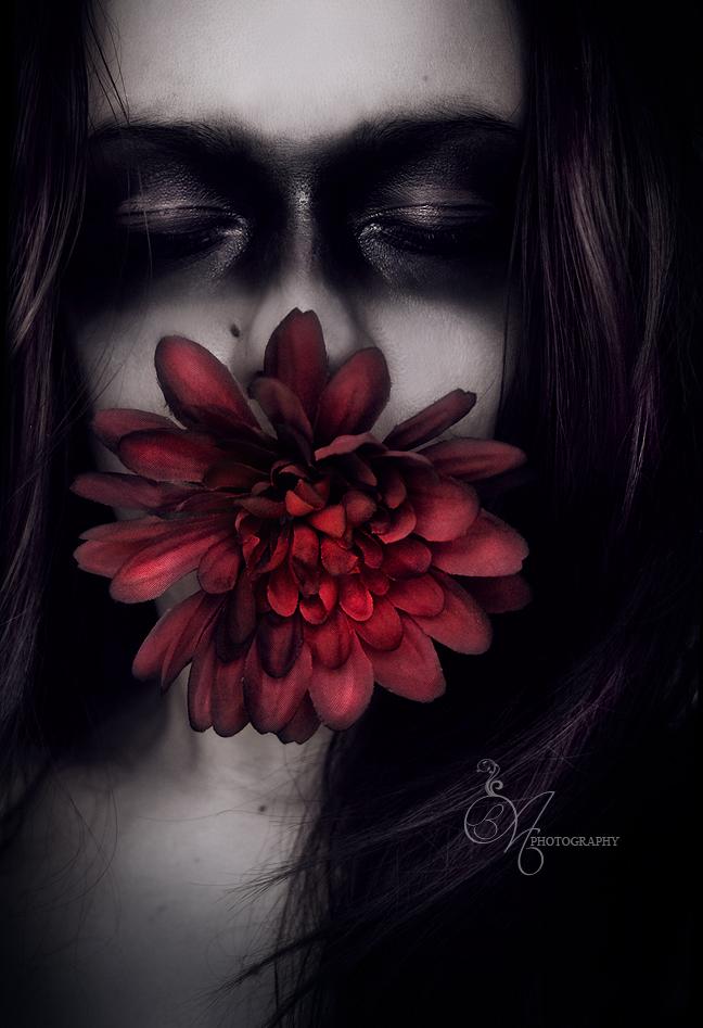 The Flower Of Carnage by IIMadhoshiII