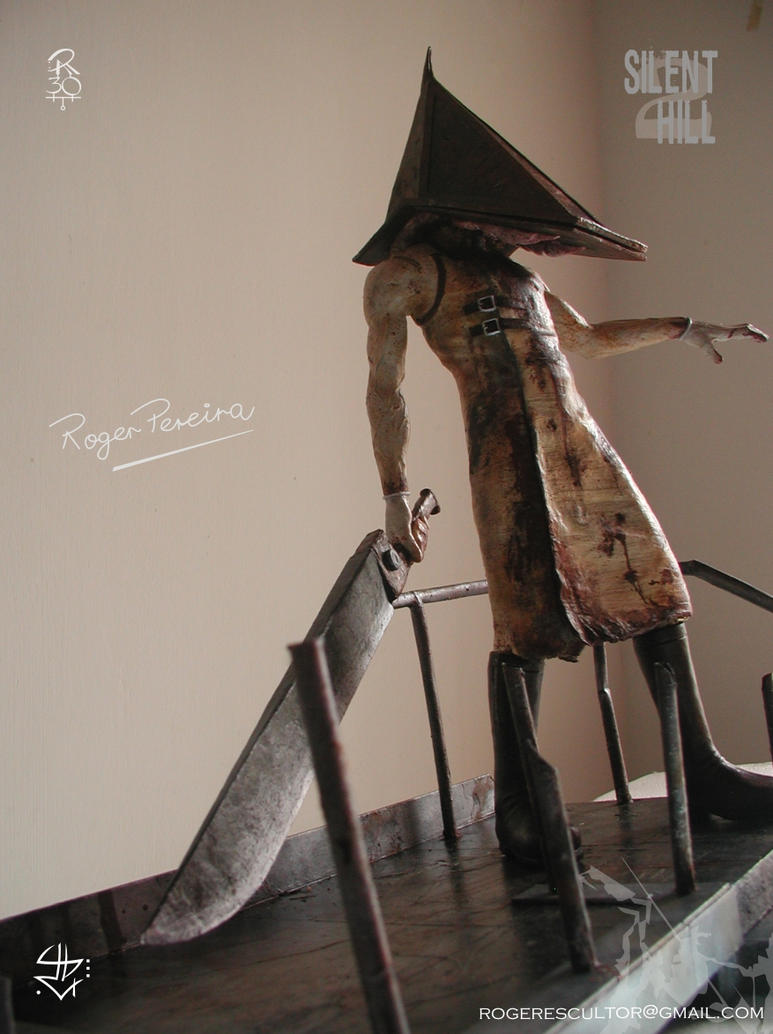 Pyramid Head. The firsts Pictures 1 by RogerPereira