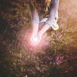 Luminescence. by gloeckchen