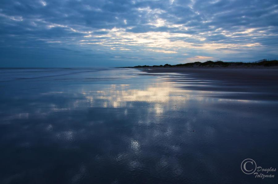 Twilight on the beach by MarshExplorer
