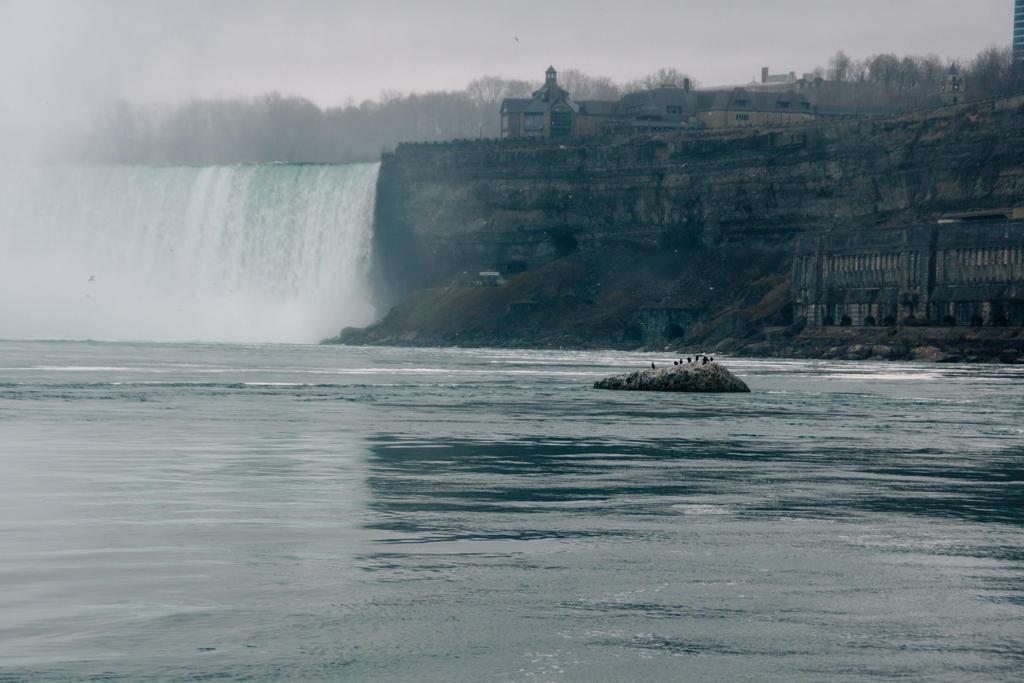 Niagara Falls by Inarita