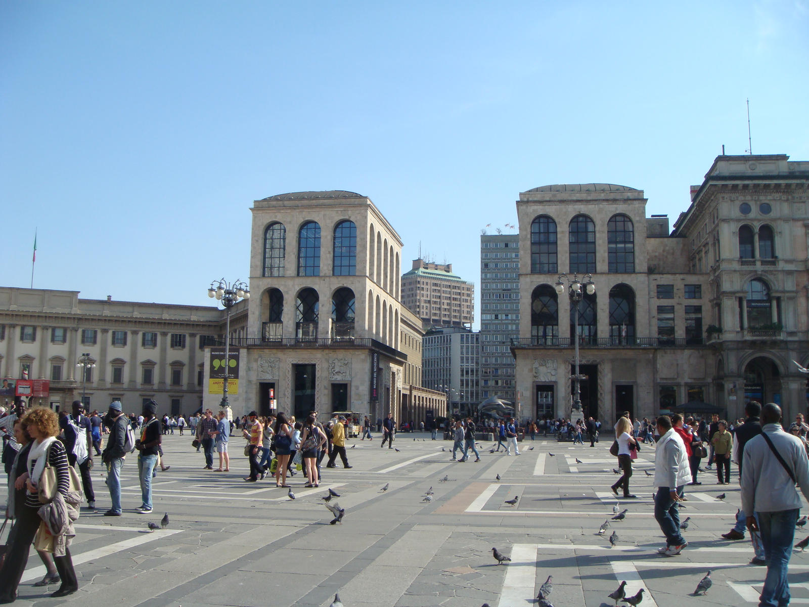 Milano - Piazza del Duomo by mdc01957 on DeviantArt