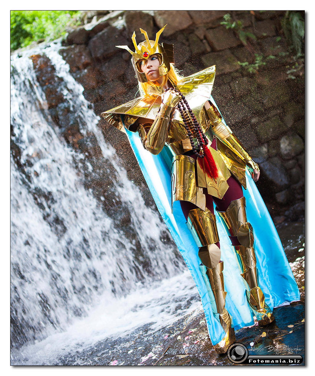 Golden Elegance by Ivycosplay