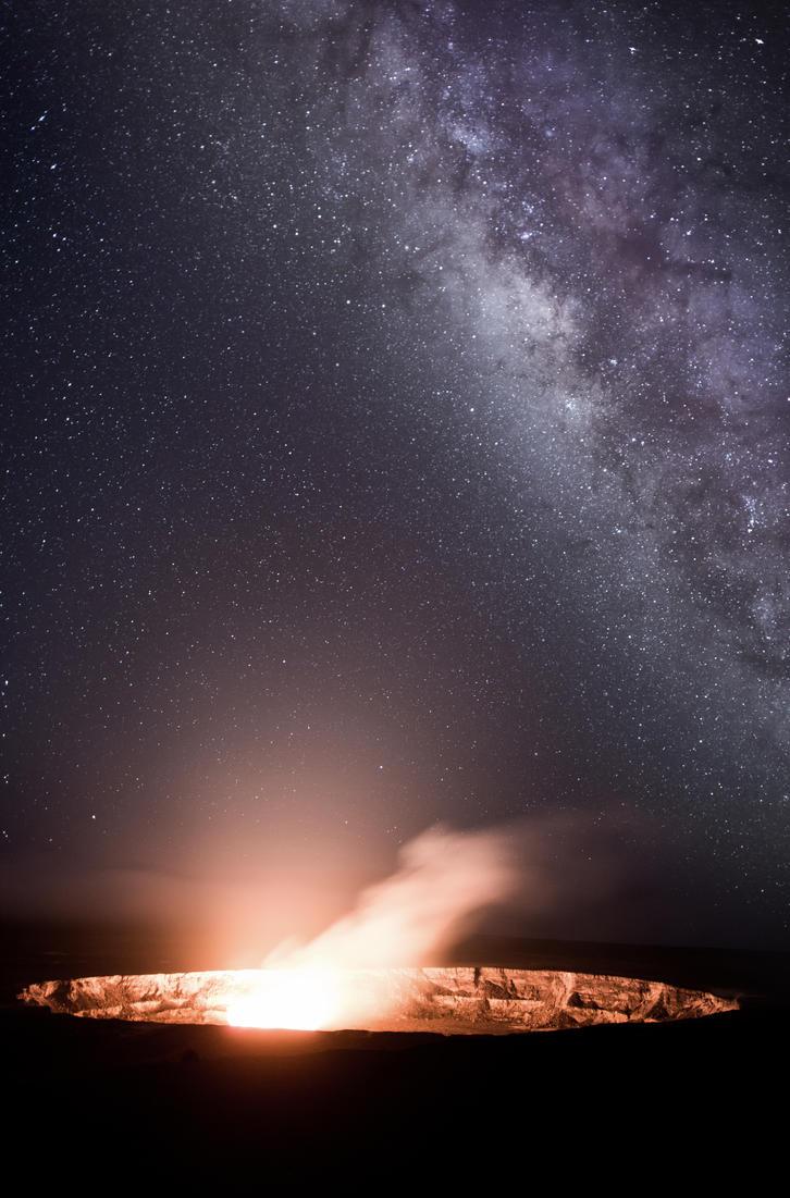 Hawaii - Volcano by schneids