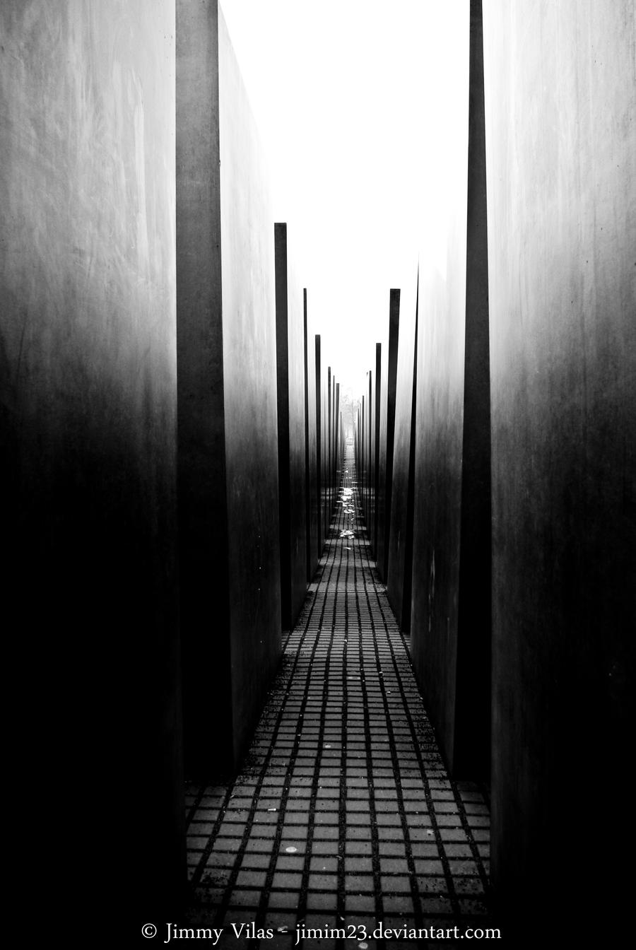 Between dark and light... by jimmyvilas
