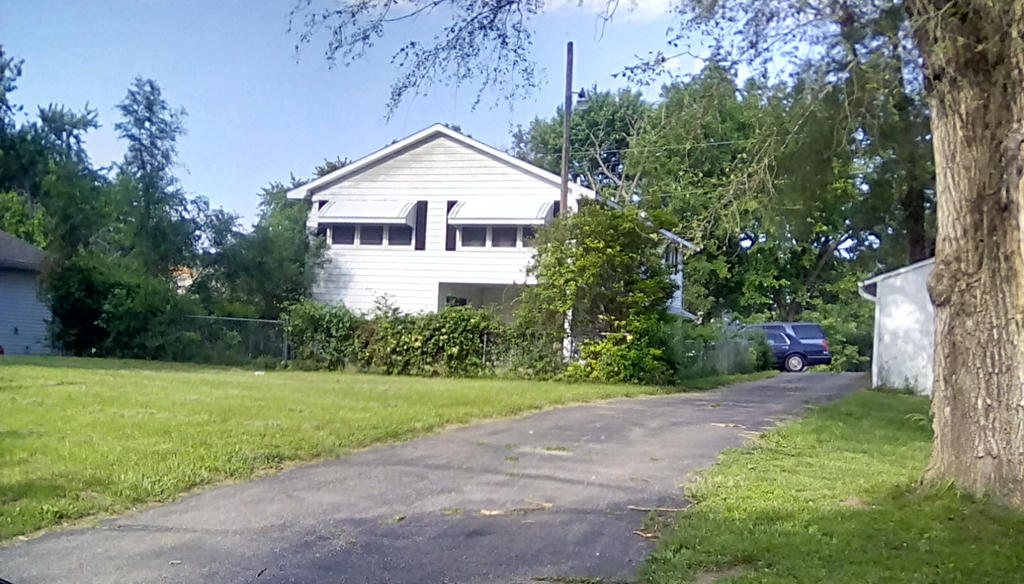 The left side of my grandma's house by CreeperEndie on ...