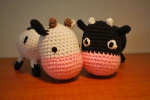 cow friends by hiro-chan28