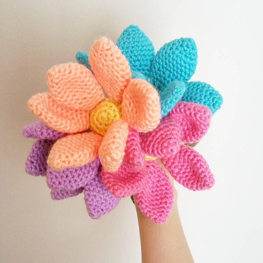 Amigurumi Crochet Flowers : Amigurumi Flowers by hiro-chan28 on DeviantArt