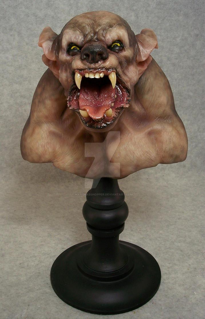 Werewolf bust by mangrasshopper