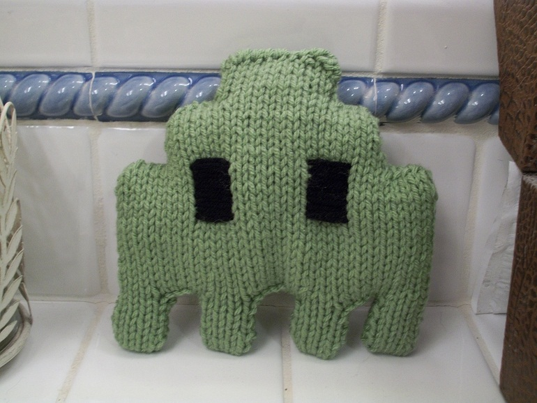 Knitted Space Invader by Glucosetastic