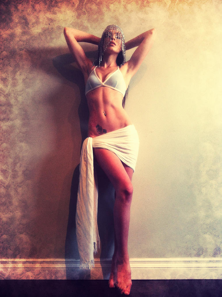 Tu Es Jolie by LaurenCalaway