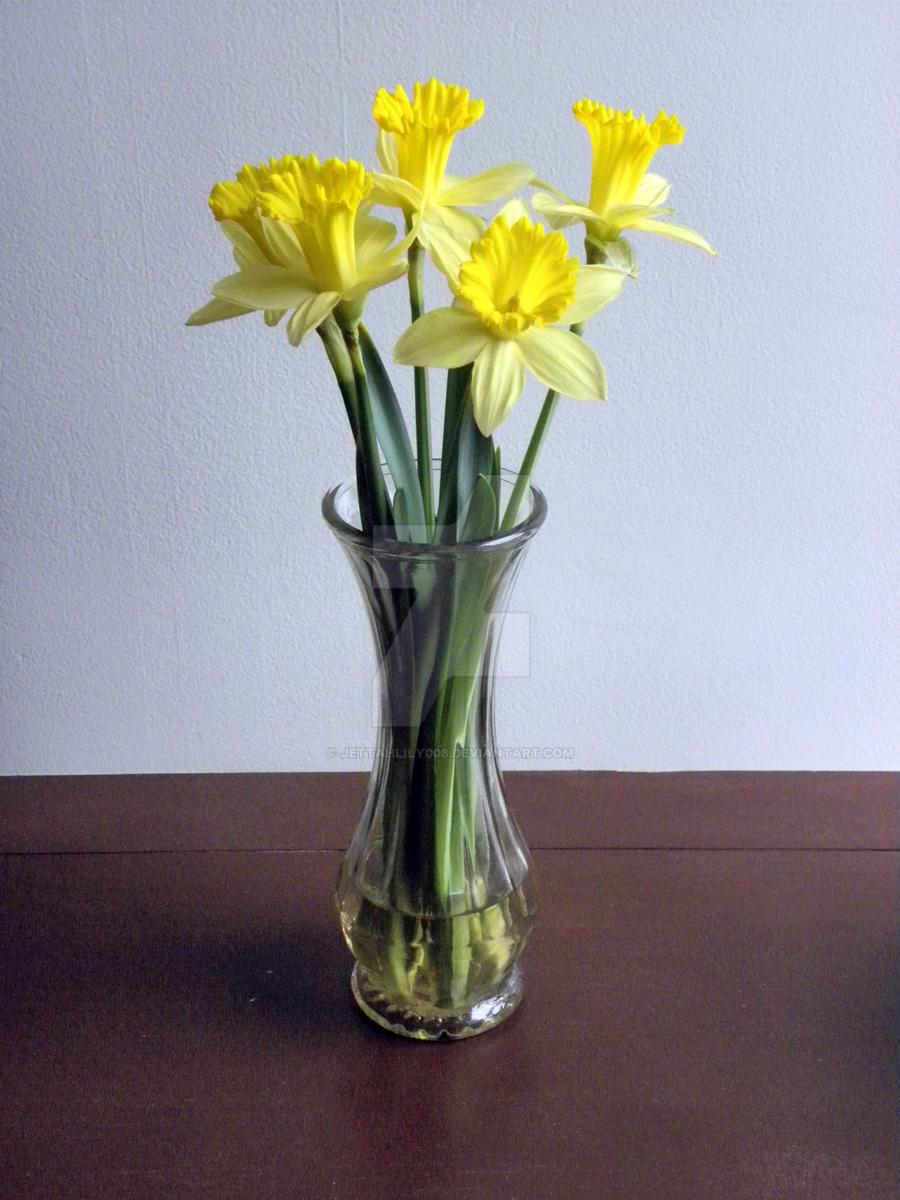 Daffodils In Vase By Jettahlily008 On Deviantart